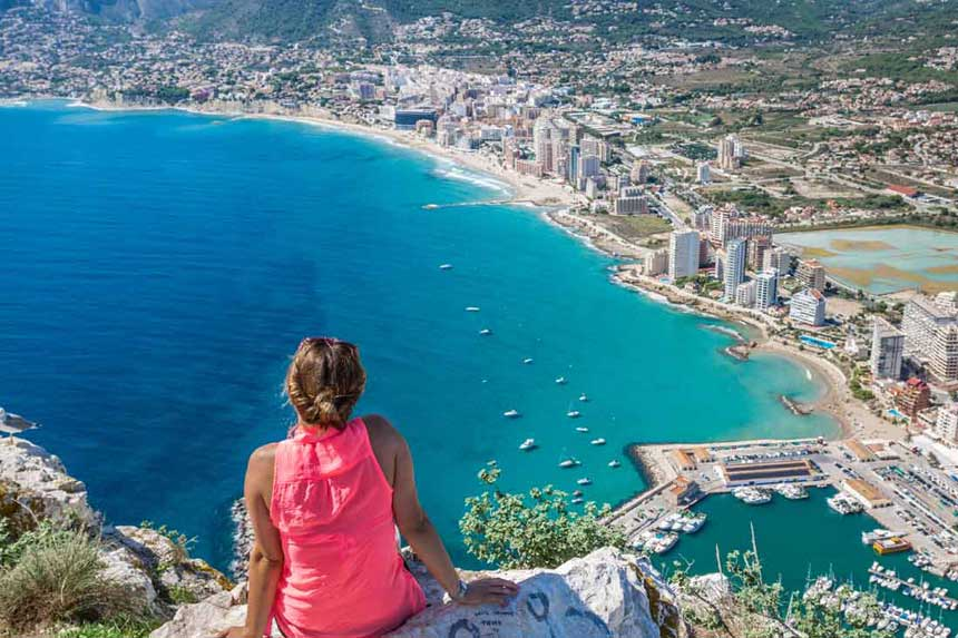 What are the Best Areas to Live in Calpe, Spain?