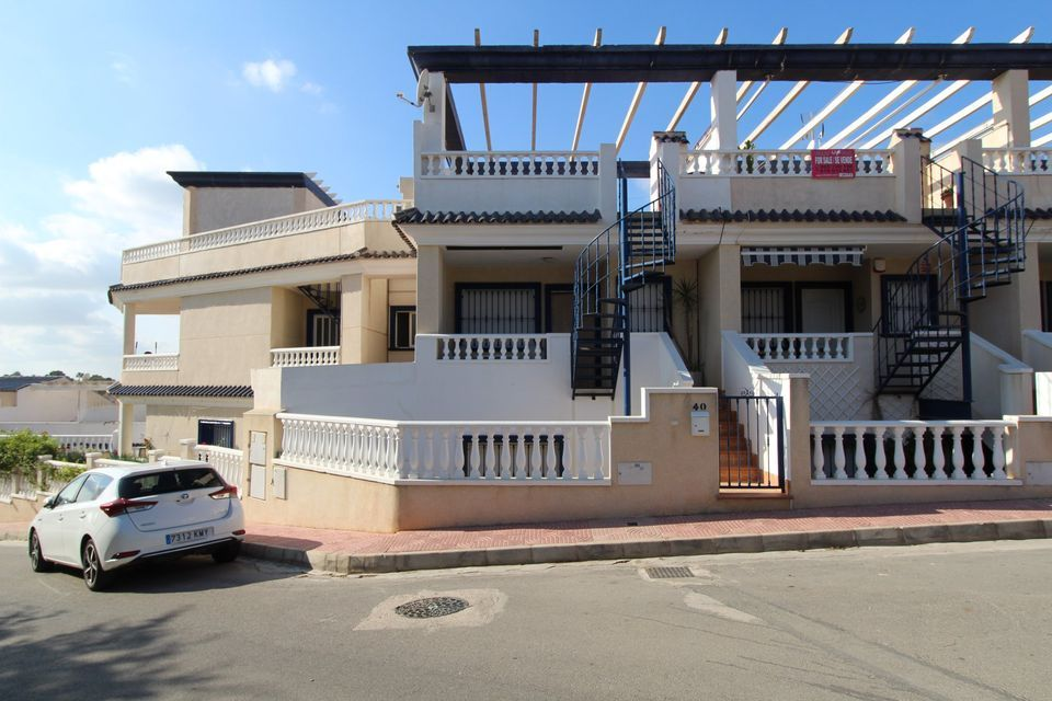 LONG TERM RENTAL - Terraced House in Orihuela Costa, El Galan, 600€/MONTH plus Bills CPR2046
