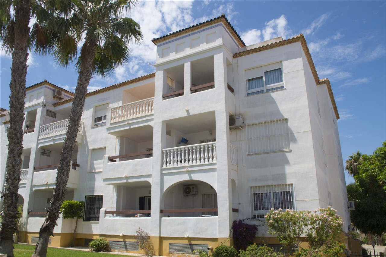 NOW RENTED - LONG TERM RENTAL -Villamartin 550€/ Month plus Bills Available 1st February  CPR1911
